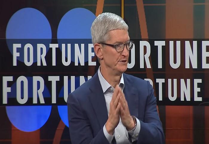 Люди вместо машин: Тим Кук объяснил, почему новости в Apple News отбирают вручную