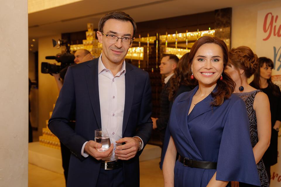 Александр Скичко, Камалия, Тала Калатай, Соломия Витвицкая и Павел Костицын на «Viva! Бал 2017»