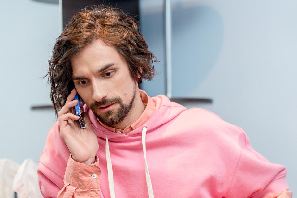 Антон Савлепов ходит на эфиры «Х-Фактора» в одежде своей жены