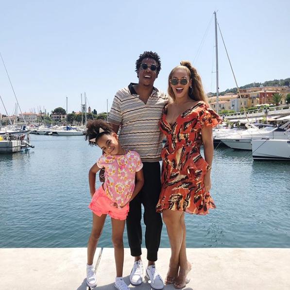 Вирвалися на море: в мережі з`явилися світлини з відпустки Джей-Зі і Бейонсе