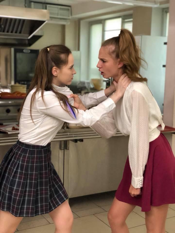 В сети появились первые фото со съемок второго сезона «Школы»